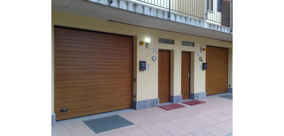 Sezionali per garage pellicolati legno